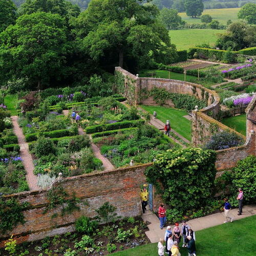 イギリスで訪ねた庭レポート vol.10 シシングハースト・カースル・ガーデン編(前編)